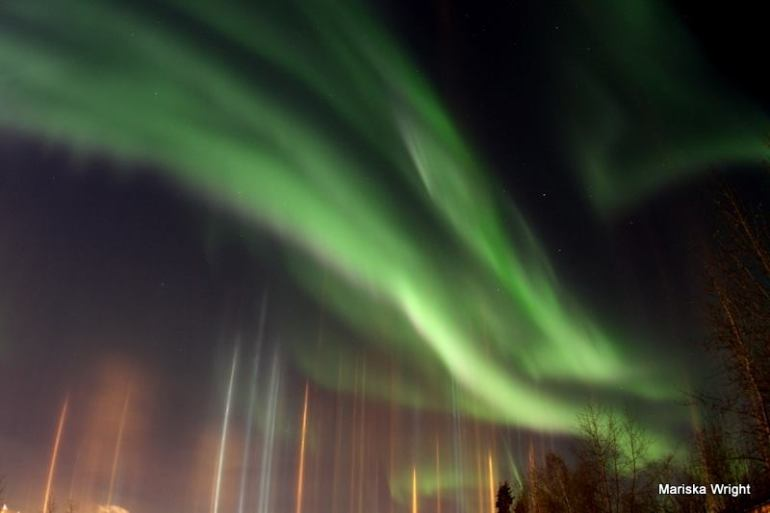 light-pillars-aurora-alaska-november-6-2014